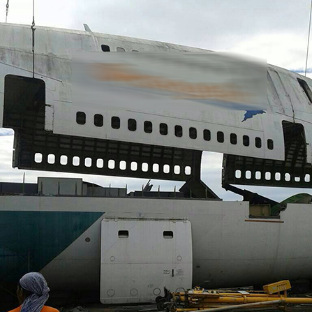 Boeing 747 Disassembling